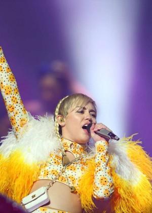 Miley Cyrus - Bangerz Tour in Perth -27