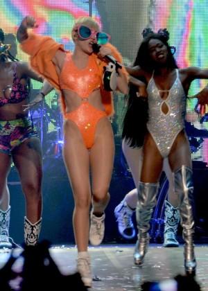 Miley Cyrus: Bangerz Tour in Puerto Rico -06
