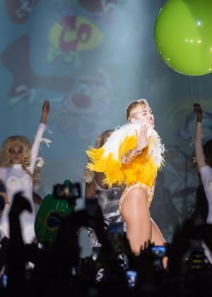 Miley Cyrus: Bangerz Tour in Rio de Janeiro -03