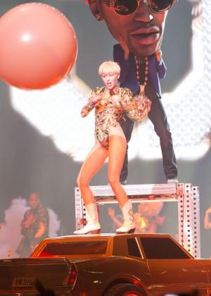Miley Cyrus: Vancouver 2014 -18