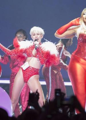 Miley Cyrus: Vancouver 2014 -33