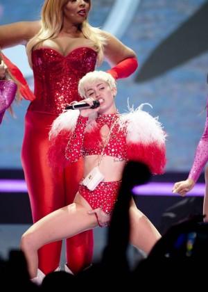 Miley Cyrus: Vancouver 2014 -43