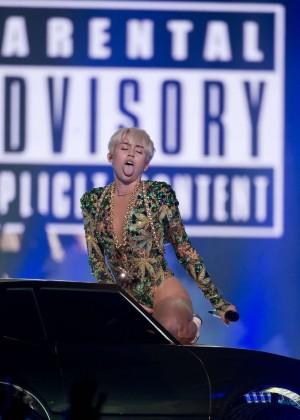Miley Cyrus: Vancouver 2014 -49