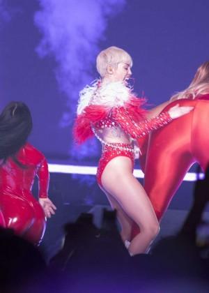 Miley Cyrus: Vancouver 2014 -58