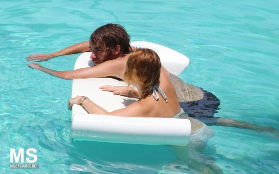 Miley Cyrus – Bikini – hotel pool in Miami-19