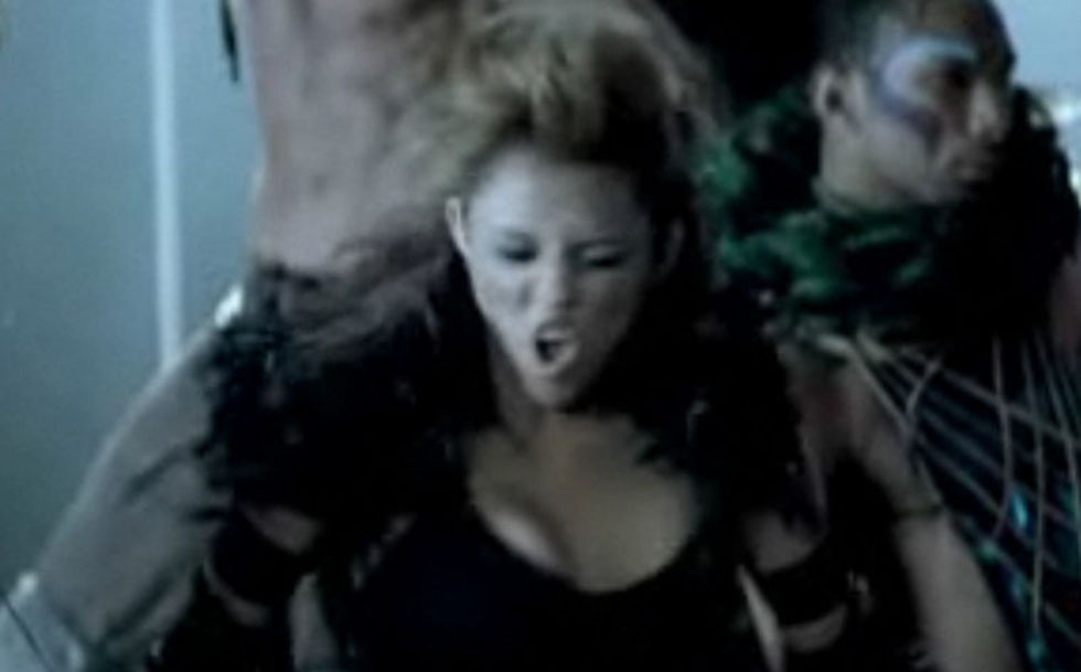 Miley Cyrus 2010 : miley-cyrus-cant-be-tamed-video-stills-06