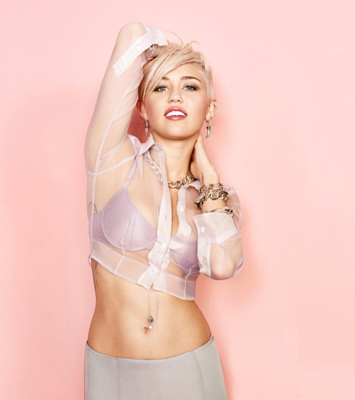 Cyrus – Cosmopolitan magazine March 2013 and Photoshoot Vid Caps