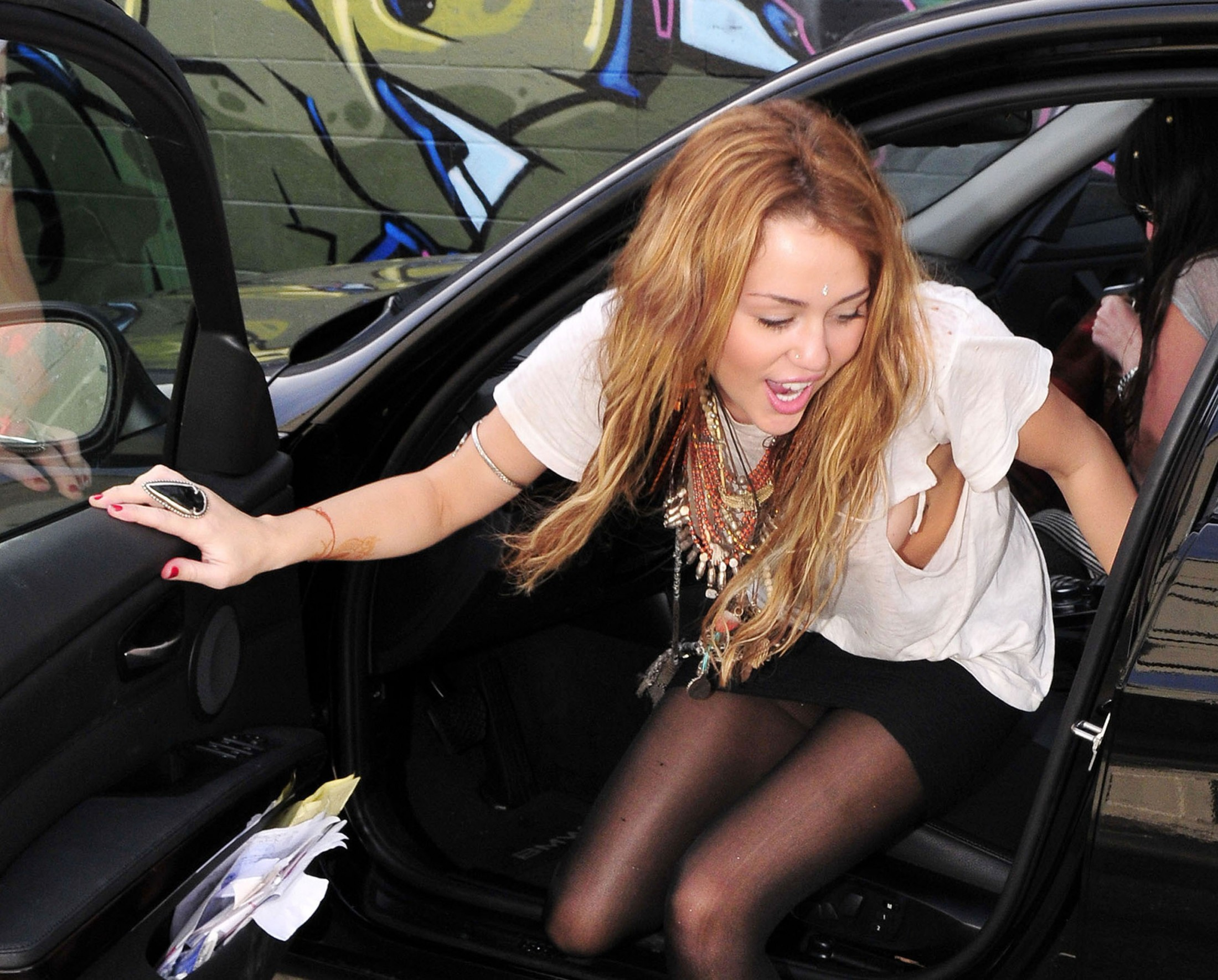 Cyrus upskirt car