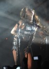 miley-cyrus-hot-concert-pics-05