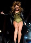 miley-cyrus-hot-concert-pics-14