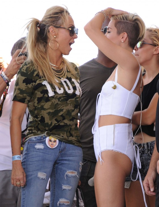 Miley Cyrus – iHeartRadio 2013 Photos [adds]