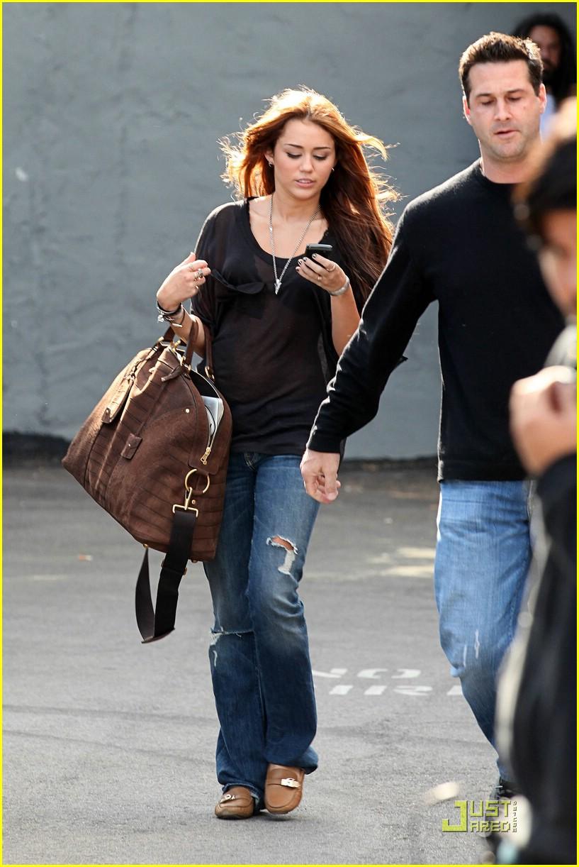 Miley Cyrus 2010 : miley-cyrus-in-see-thru-to-bra-03