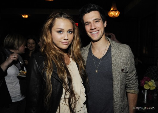 Miley Cyrus – Leggy at 'Hannah Montana' Wrap Party in LA