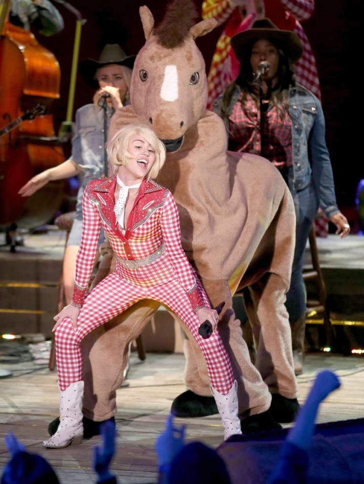 Miley Cyrus and Donkey at MTV Unplugged