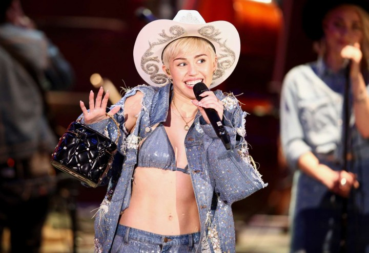 Miley Cyrus and Donkey at MTV Unplugged -35