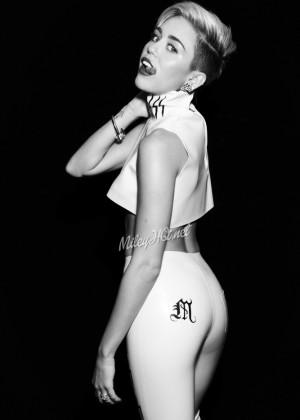 Miley Cyrus: Notion Magazine Outtakes 2013 -28