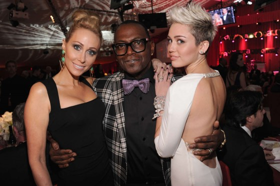 Miley Cyrus – Oscar 2013 – Elton John AIDS Foundation Academy Awards Party