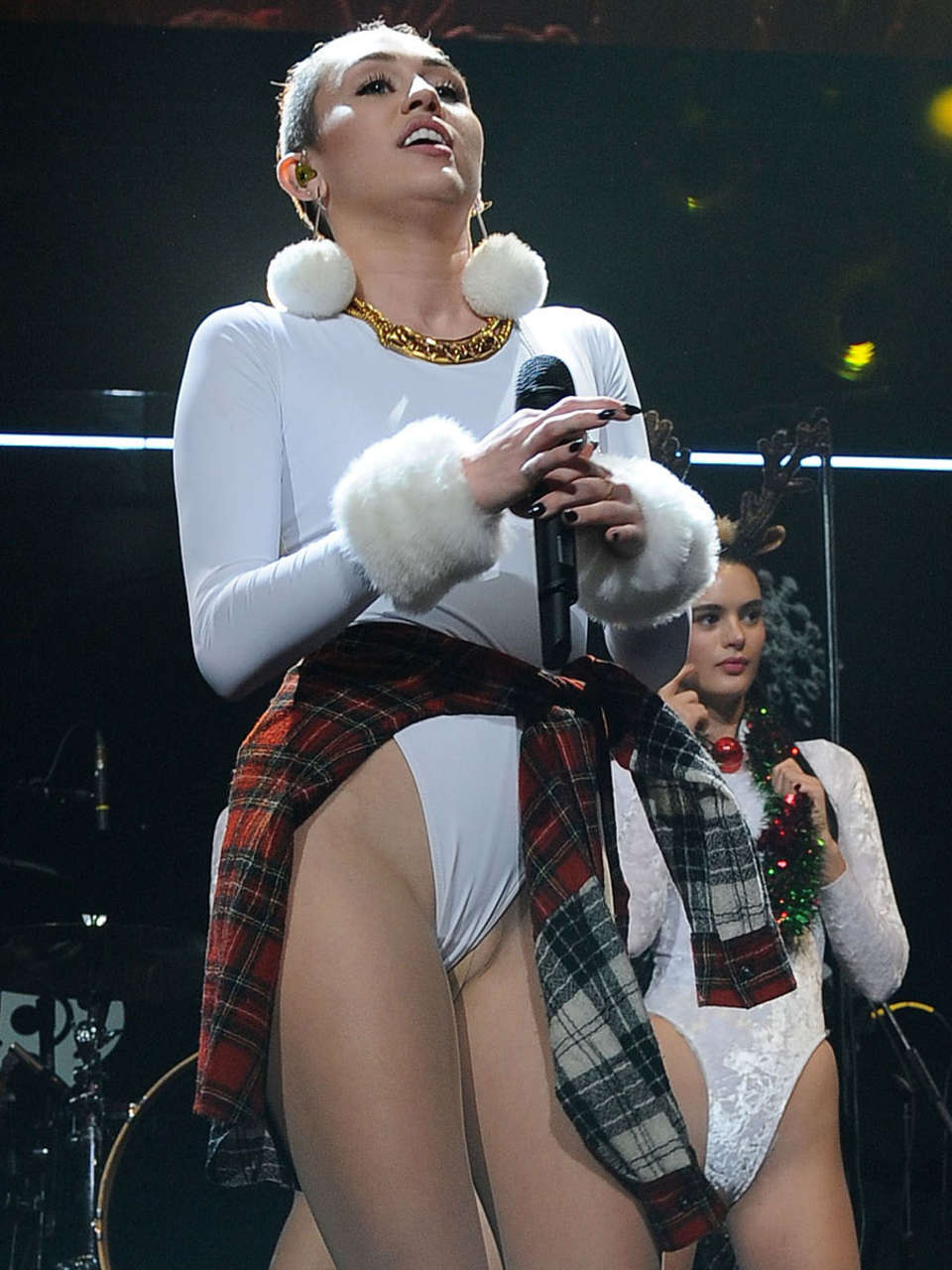 miley cyrus 2014 cars Car Pictures