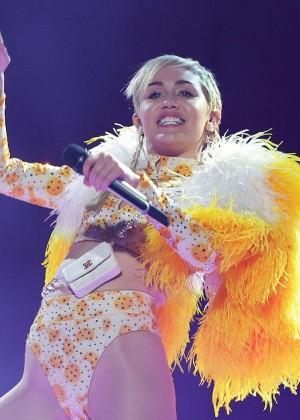 Miley Cyrus - Bangerz Tour in Sydney -03