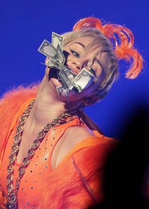 Miley Cyrus - Bangerz Tour in Sydney -13
