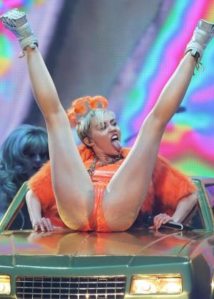 Miley Cyrus - Bangerz Tour in Sydney -34