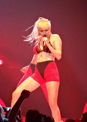 Miley Cyrus: Bangerz Tour in Las Vegas 2014 -29