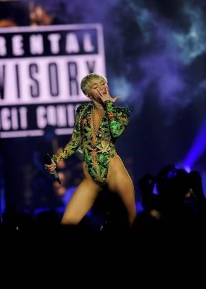 Miley Cyrus: Bangerz Tour in Las Vegas 2014 -33
