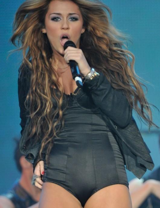 Miley Cyrus – Rock in Rio music festival in Arganda del Rey, Spain