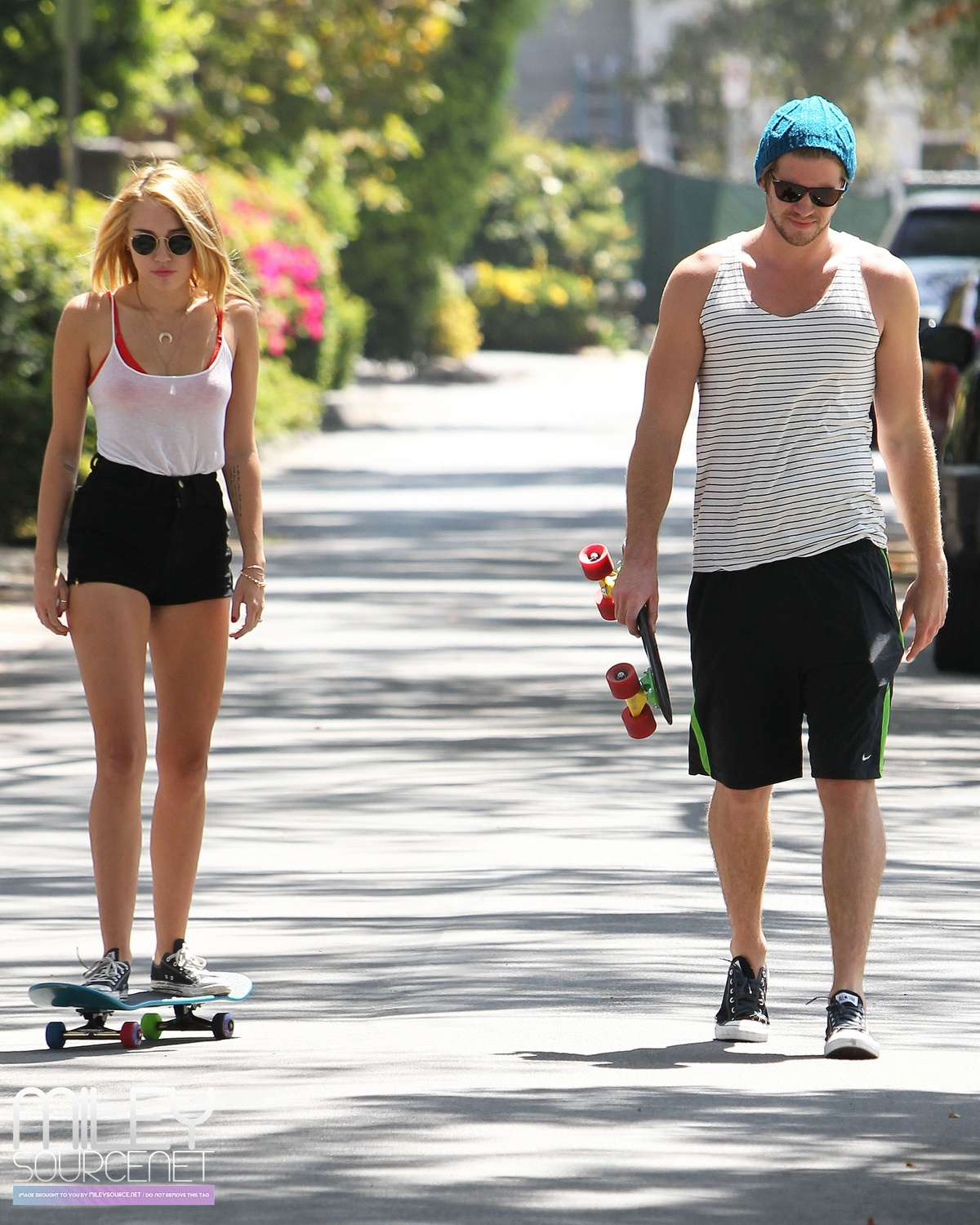 Miley Cyrus – out skateboarding-04