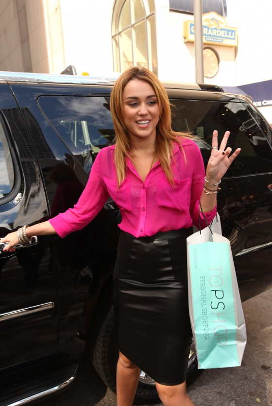 Miley Cyrus – Topshop/Topman Store Opening in Chicago