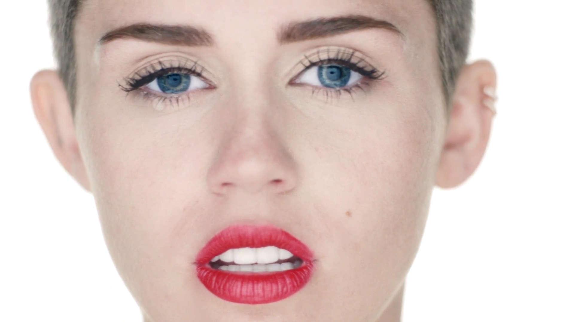 image Miley cyrus wrecking ball xxx version