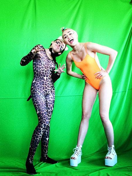 Miley & Noah Cyrus Instagram Photos