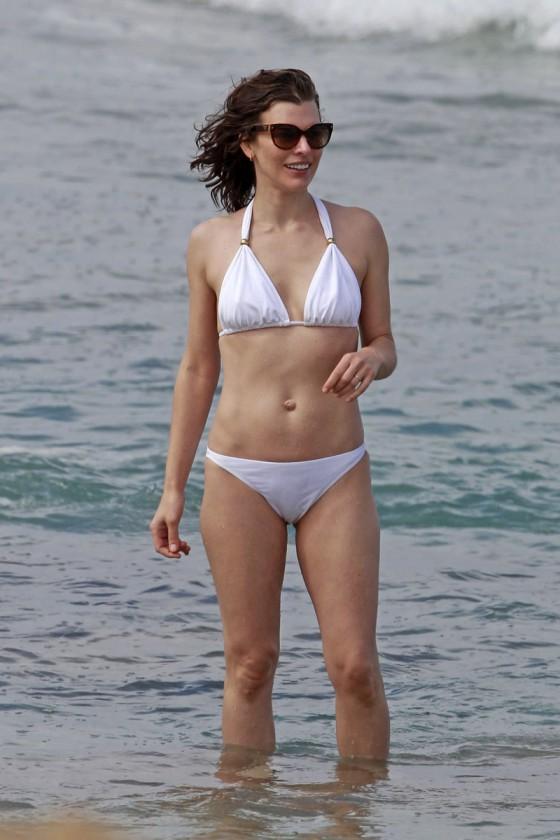 Milla Jovovich In Bikini In Maui