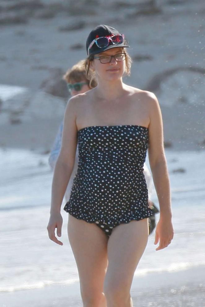naked Swimsuit Milla Jovovich (25 photos) Bikini, Facebook, braless