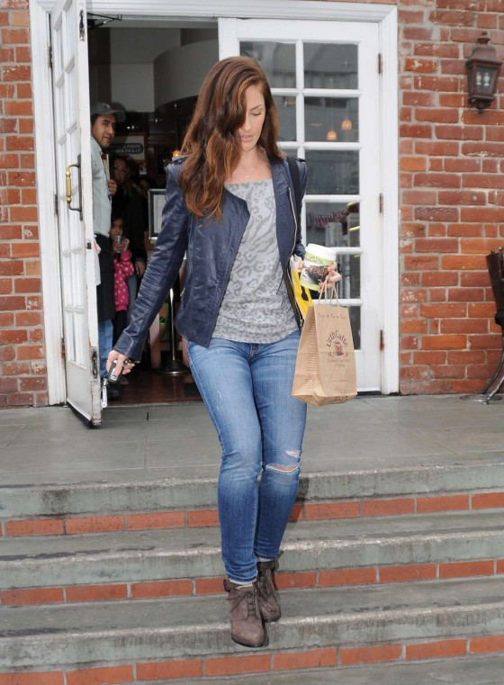 Minka Kelly - at Urth Cafe in Beverly Hills