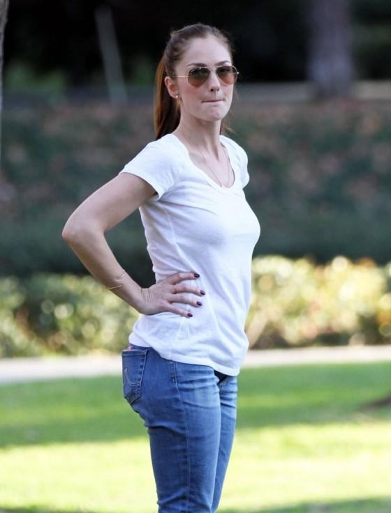 Minka Kelly In Tight Jeans