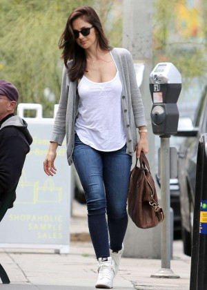 Minka Kelly Hot in Jeans -02