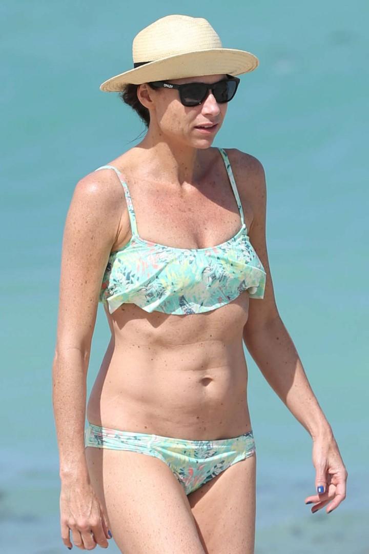 Minnie Driver – Bikini Candids in Malibu