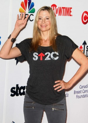 Mira Sorvino - 2014 Stand Up 2 Cancer Live Benefit in Hollywood