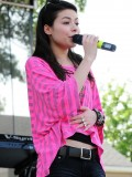 miranda-cosgrove-at-fms-mega-jam-at-county-fair-entertainment-park-in-medford-july-2010-01