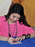 miranda-cosgrove-at-fms-mega-jam-at-county-fair-entertainment-park-in-medford-july-2010-05