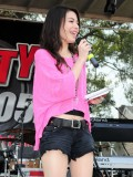 miranda-cosgrove-at-fms-mega-jam-at-county-fair-entertainment-park-in-medford-july-2010-06