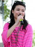 miranda-cosgrove-at-fms-mega-jam-at-county-fair-entertainment-park-in-medford-july-2010-07
