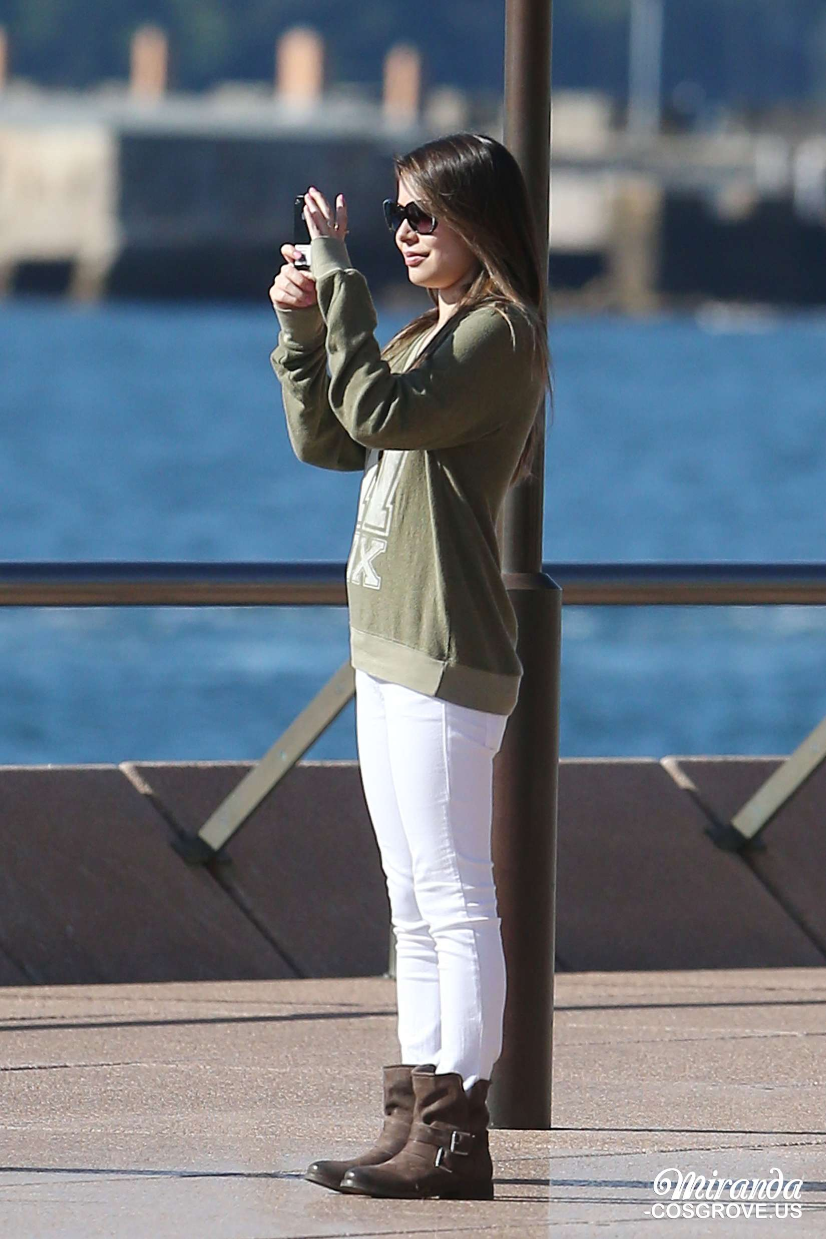 Miranda Cosgrove at The Sydney Opera House -05 - Full SizeMiranda Cosgrove House