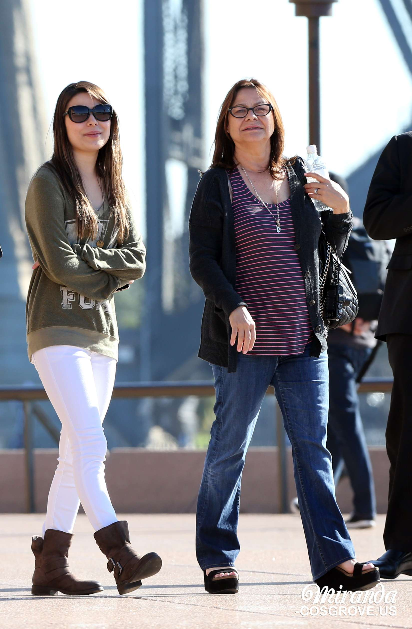 Miranda Cosgrove at The Sydney Opera House -07 - Full SizeMiranda Cosgrove House