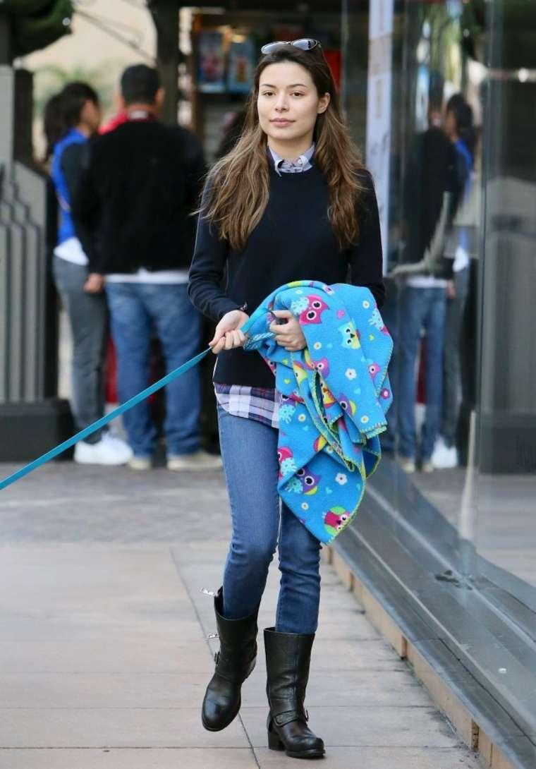 Miranda Cosgrove Walking Her Dog In La Gotceleb