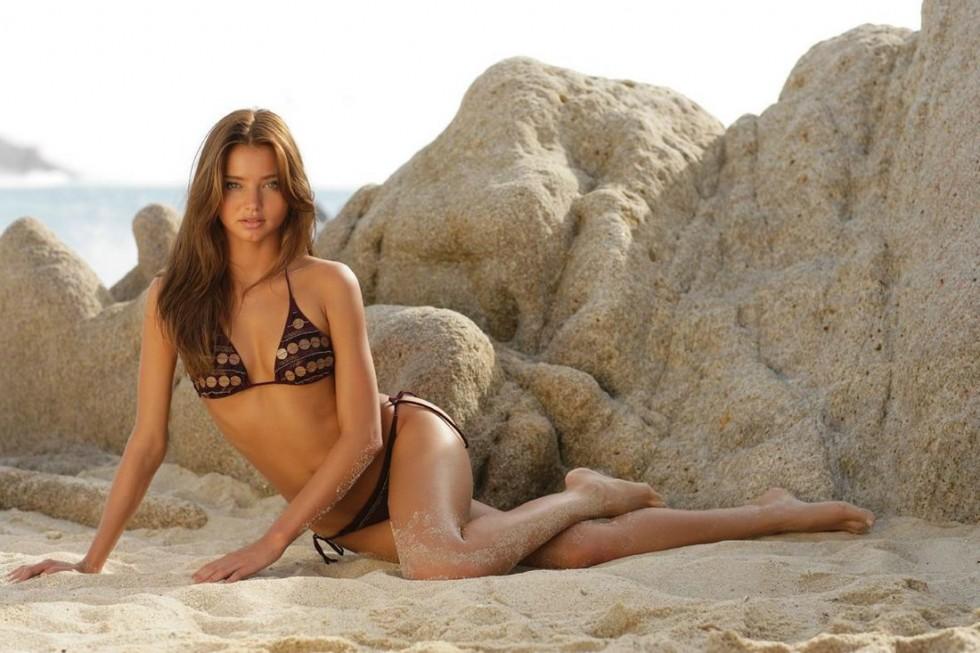 Miranda Kerr 2010 : miranda-kerr-bikini-in-ayyildiz-swimwear-photoshoot-hq-05