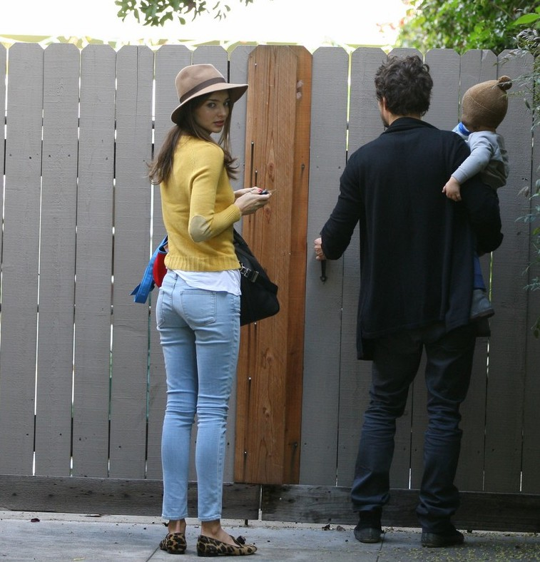 Miranda kerr in jeans 04 gotceleb House jeansy