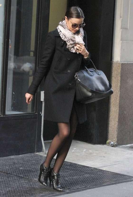 Back to post Miranda Kerr – Leggy Candids in NYC