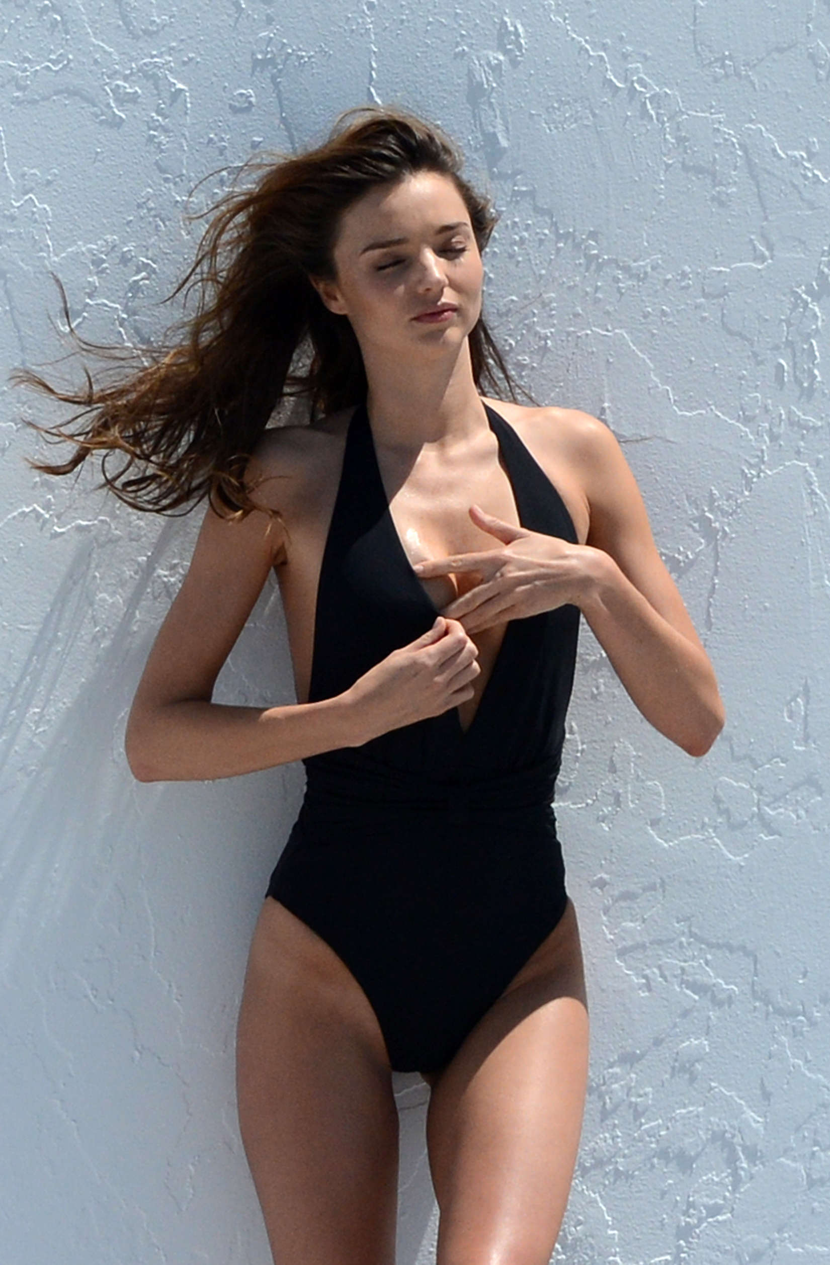 Miranda Kerr - on a bi... Eleanor Calder Twin